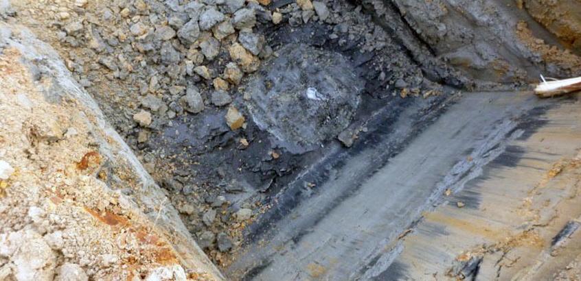 En schaktgrop som används vid djupstabilisering av kalkcementpelare i sulfidjord. Foto.